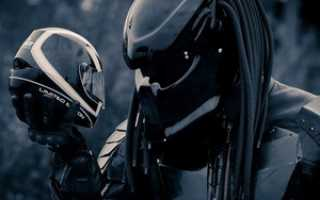 Мотоциклетный шлем в виде хищника