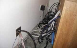 Как спрятать проводку на стене